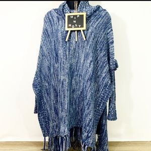 LOVE BY DESIGN Cowl Neck Sleeved Poncho Blue Small